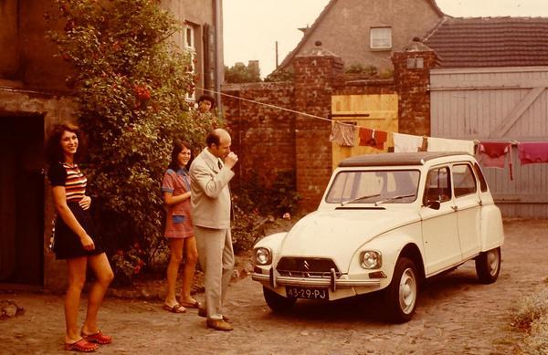1973. Fotografía familiar en Magdeburgo