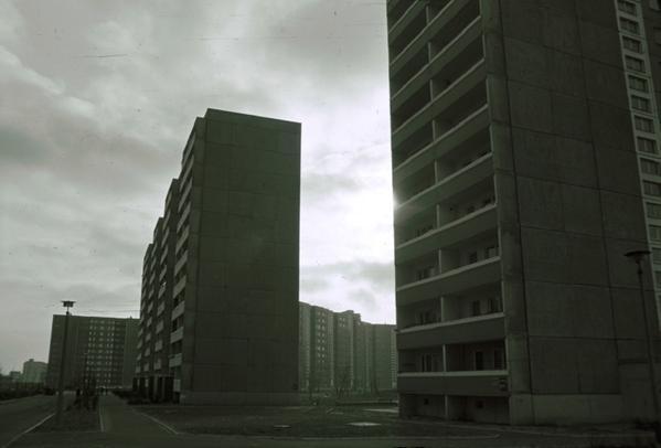 1985. Zona residencial del barrio de Marzahn en Berlín