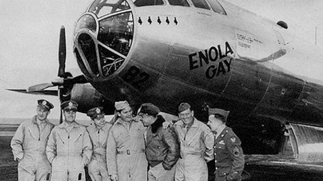 tripulacion-arrojo-bomba-atomica_