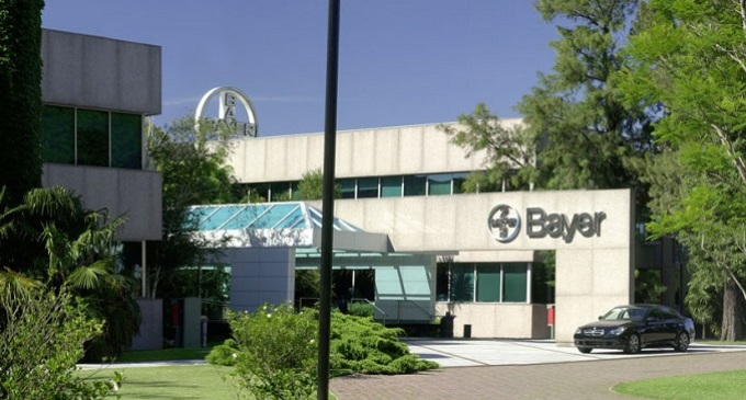 Movilización por despidos en Bayer Argentina
