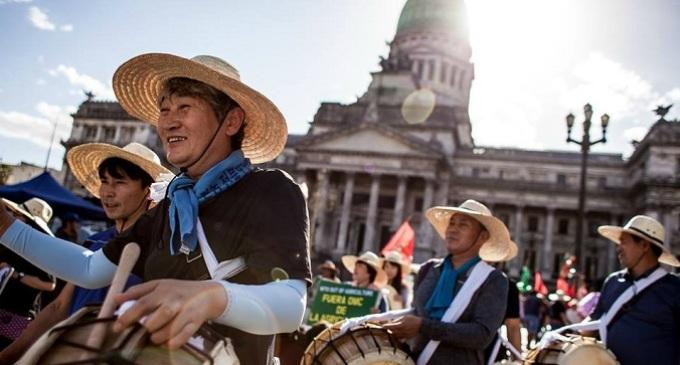 Se inició la 11° Cumbre de la OMC con deportados y festival anti-cumbre