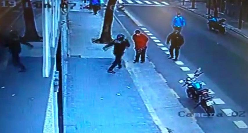 Un policía porteño mató a un hombre de una patada
